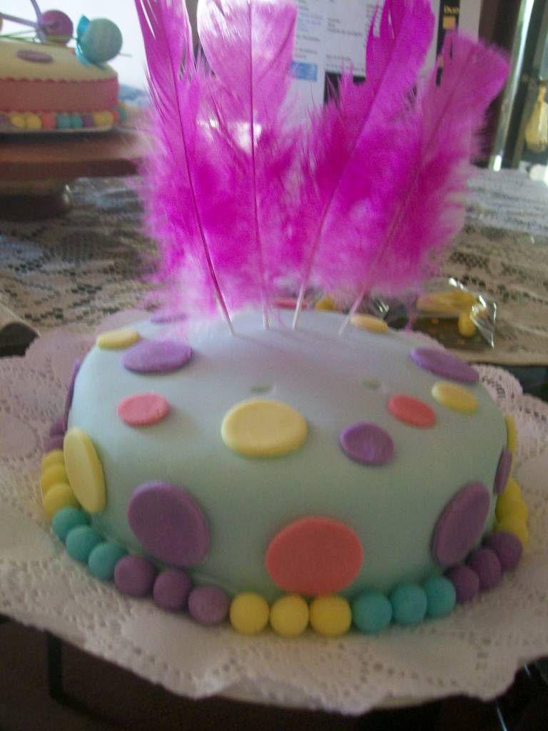 Torta  cubierta con masa Elástica