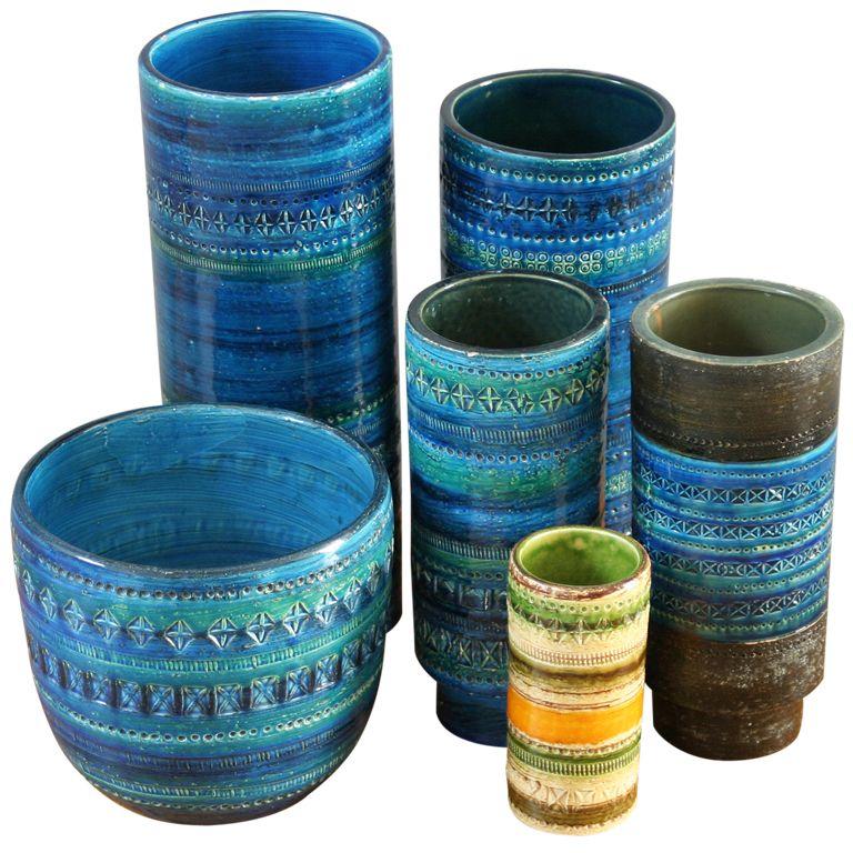 1stdibs Set Of Six Rimini Blu Vases By Aldo Londi For Bitossi Explore Items From 1 700 Global Deal Vintage Italian Pottery Italian Pottery Vintage Pottery