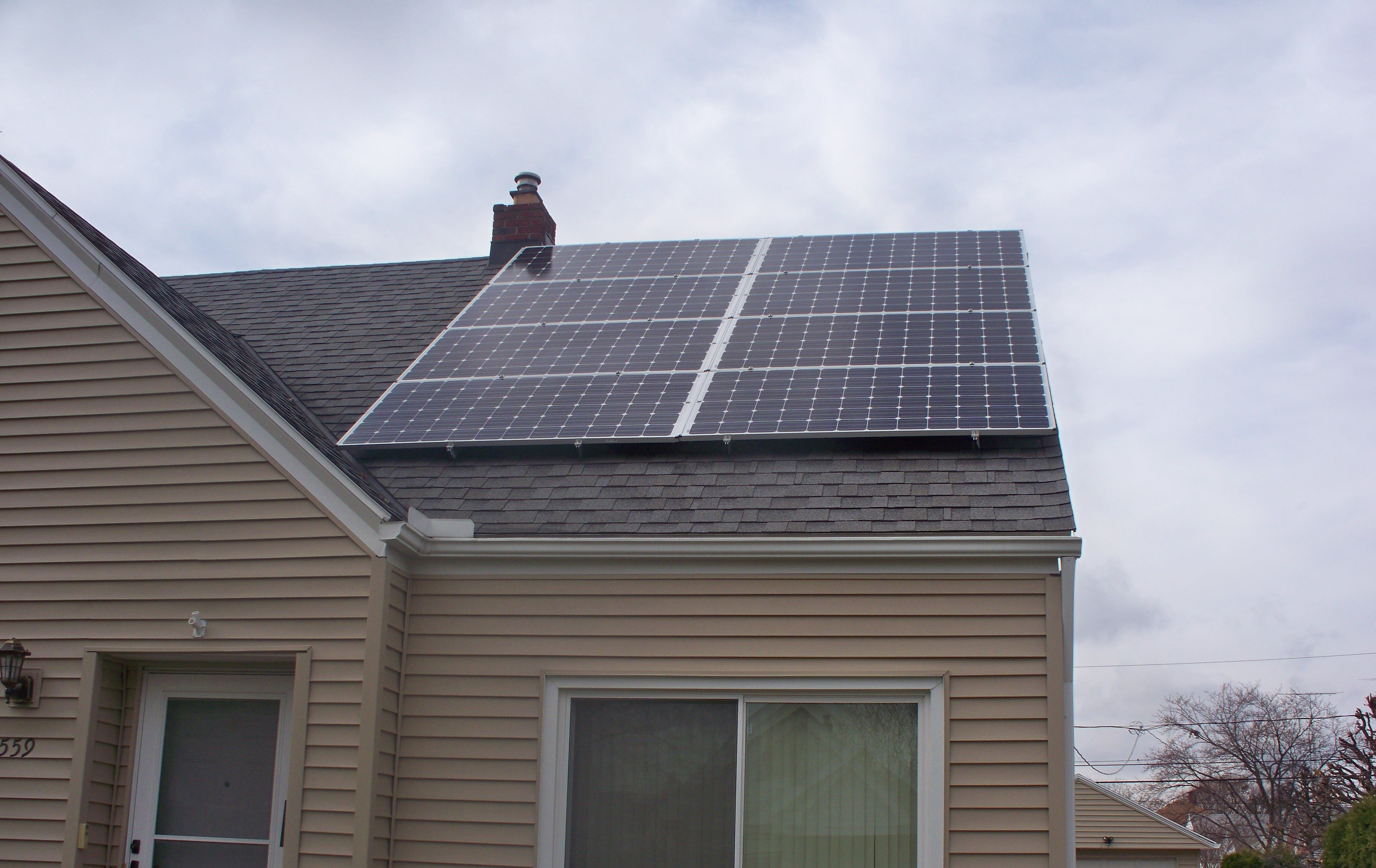 October 9 2015 Installation Of Residential 5 1 Kw Solar System In Toledo Oh Solar Panel Installation Roof Solar Panel Solar Panels