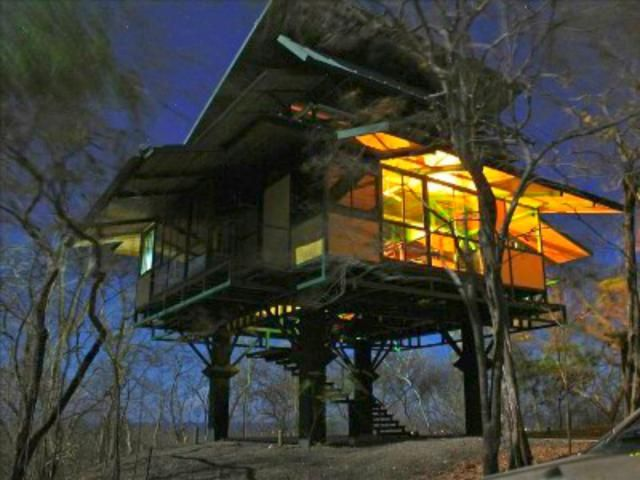 6 Lofty Treehouse Vacation Homes You Can Rent. Treehouse VacationsFamily ...