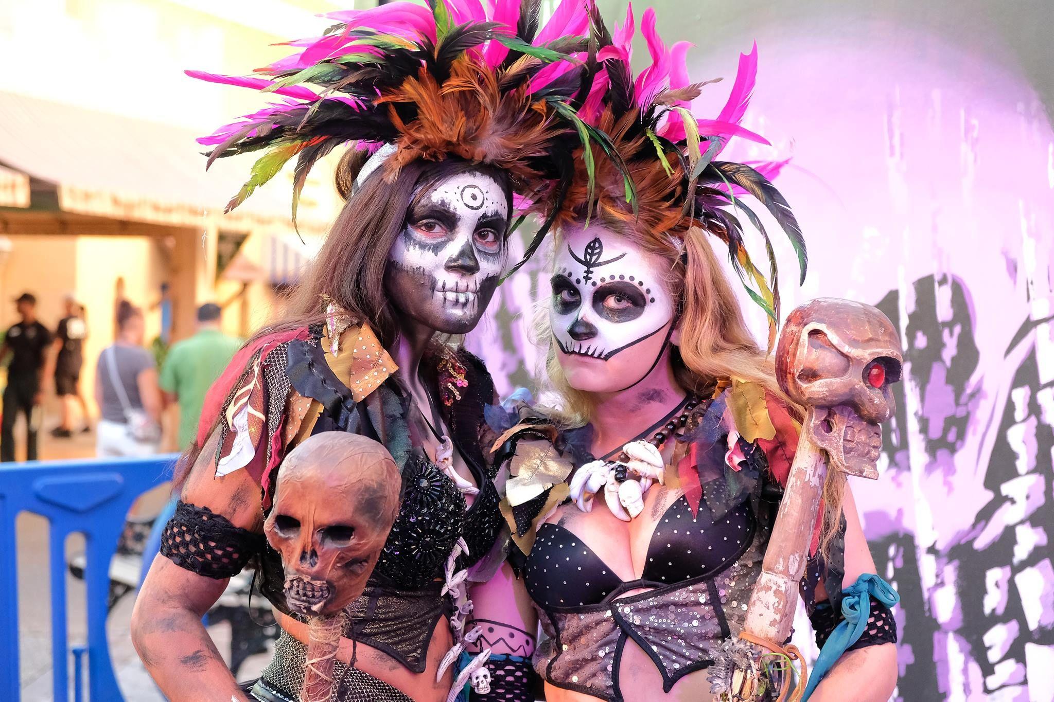 e6ecc2b4b11b1ef44b17a94bfeb9c48e - Howl O Scream Busch Gardens Reviews