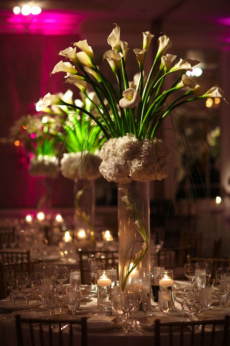 towers of calla lilies and white hydrangea make this centerpieces rh pinterest com