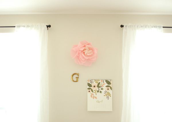 wall flower3 by youaremyfave, via Flickr  (also a 'welcome to the world' shower on the same site)