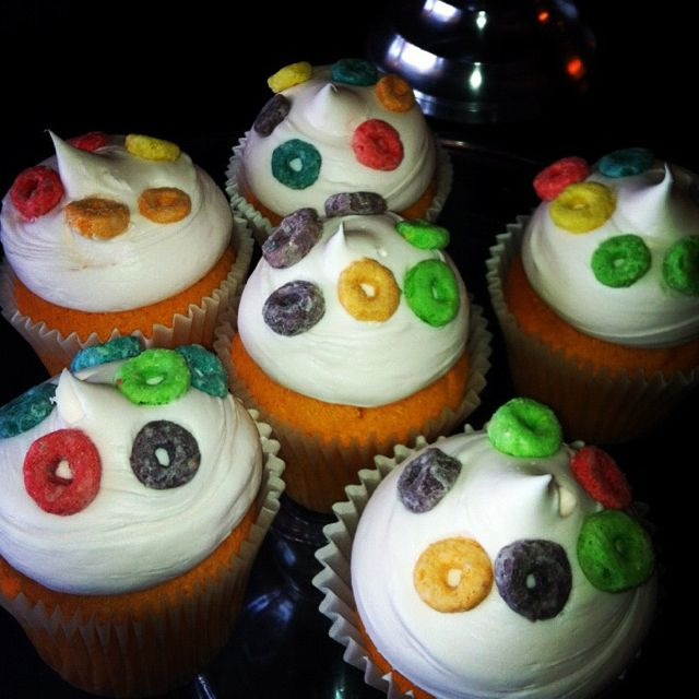 Cake With Fruit Loops : Froot Loopies cupcakes! Unusual Cupcakes Pinterest ...