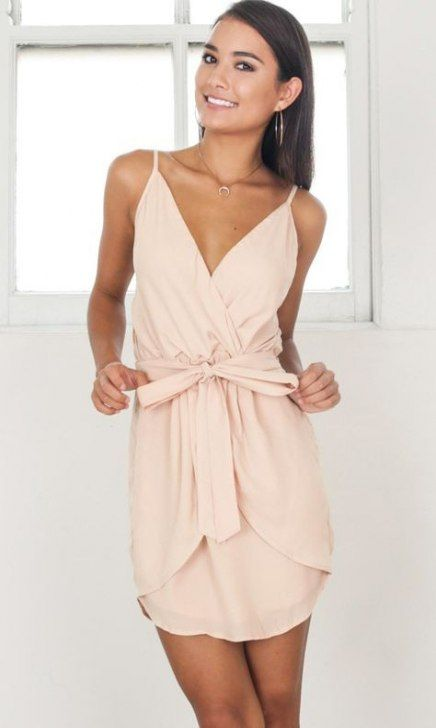 Best wedding guest outfit ideas summer rehearsal dinners ...