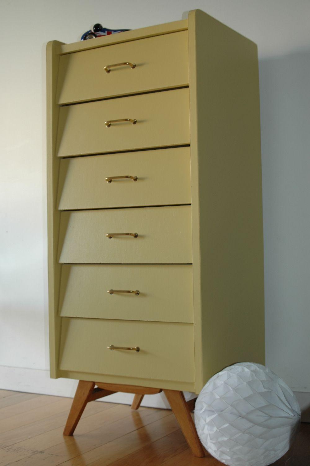 semainier vintage aux pieds compas repeint en ciara yellow. Black Bedroom Furniture Sets. Home Design Ideas