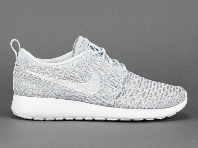 womens nike flyknit roshe run white