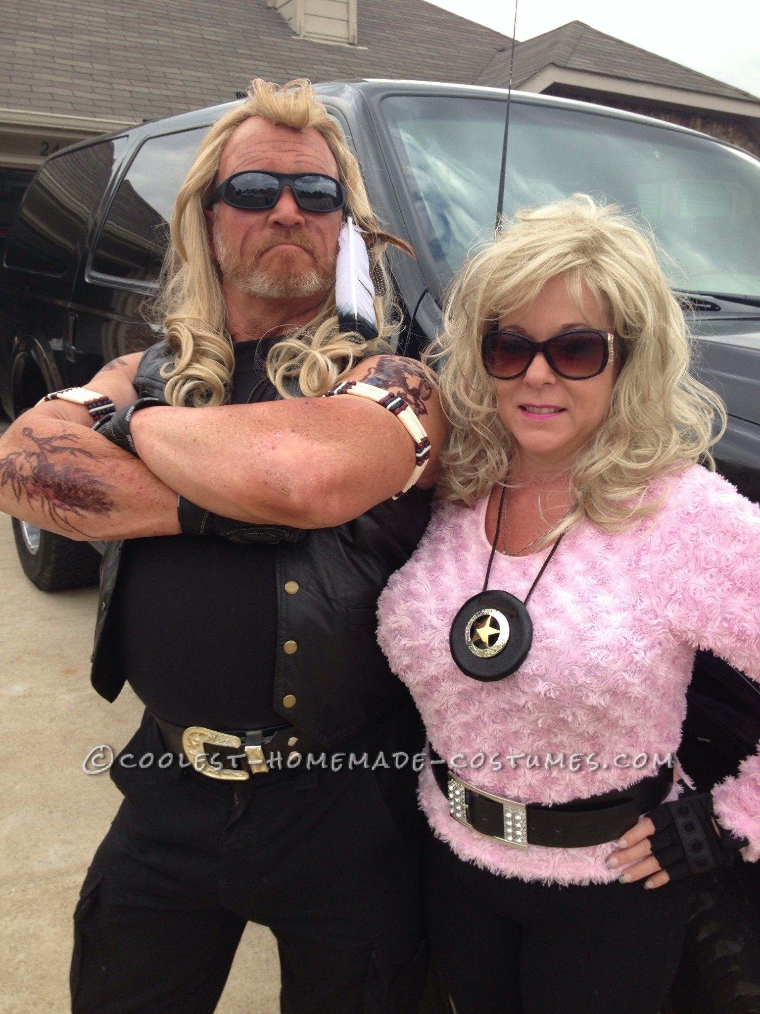 dog and beth do texas halloween couple costume - Jimmy Page Halloween Costume