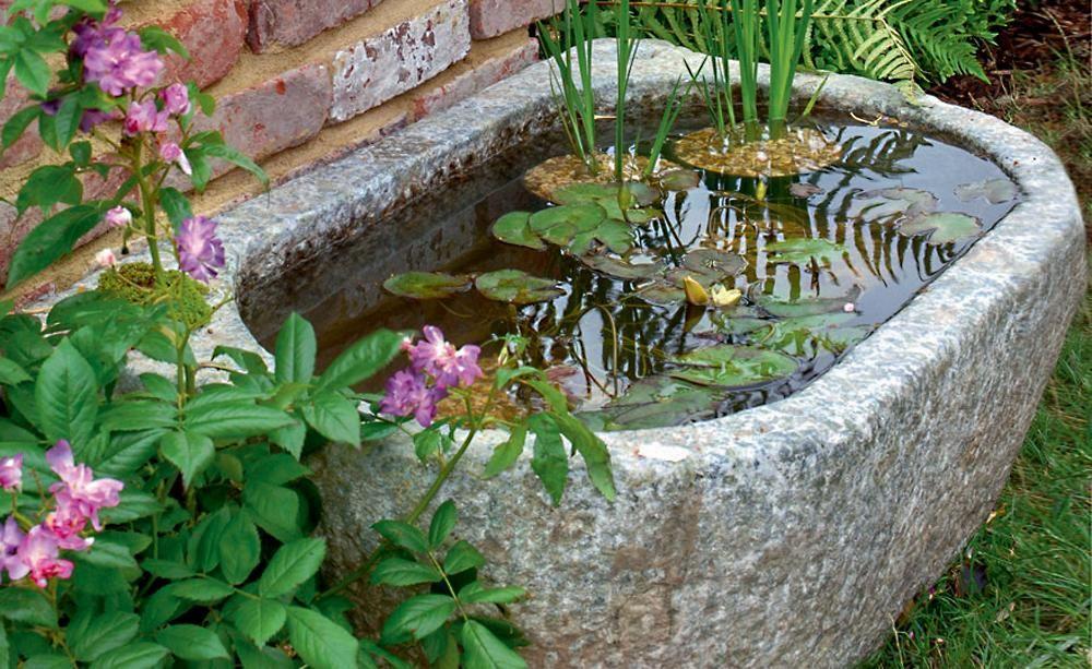 Wasserg rten auf kleinstem raum kleiner garten garten teich und garten ideen - Kleiner springbrunnen garten ...