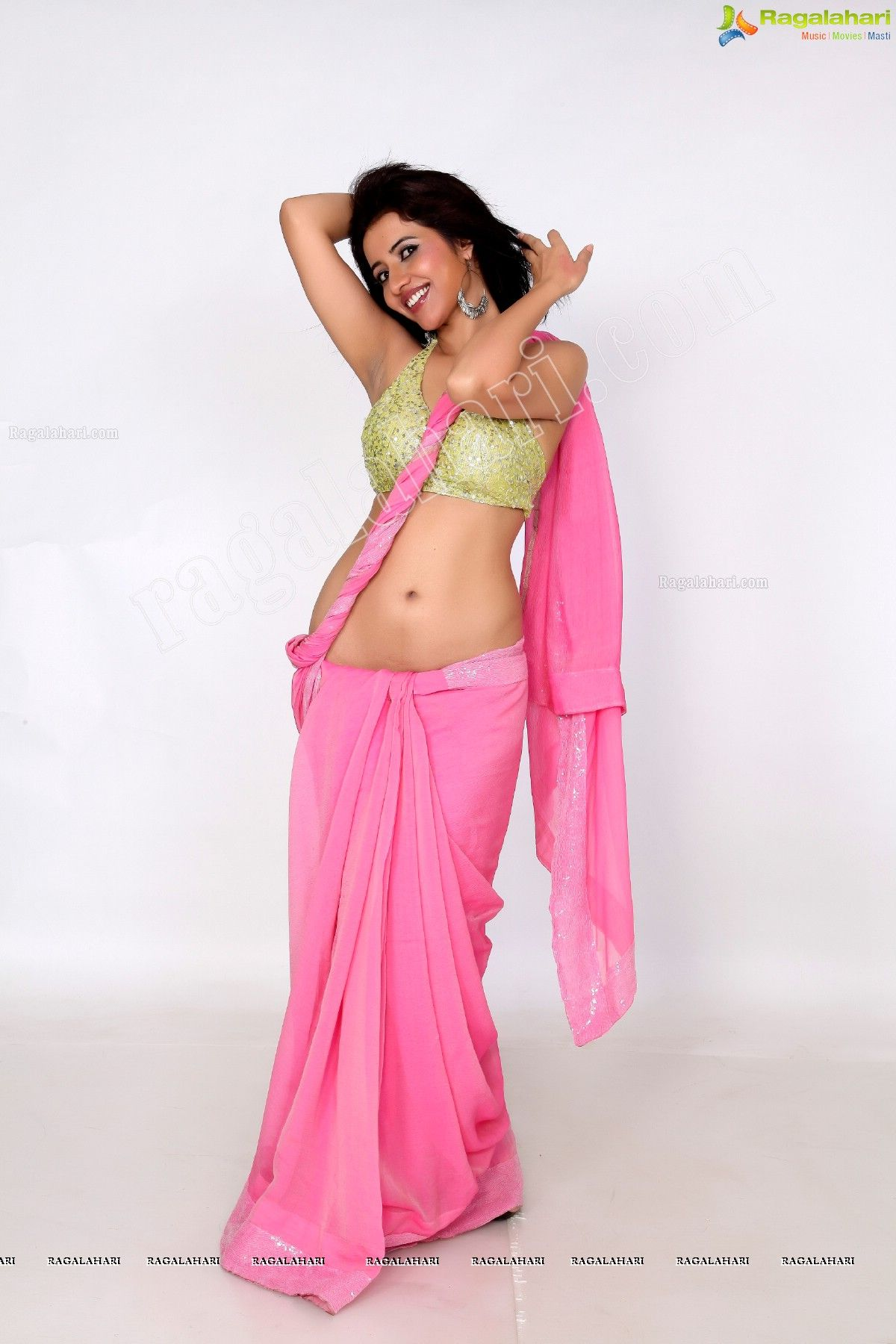Niir Arora Hot Babe\'s Spicy Photoshoot Pics In Saree... - Page 2 ...