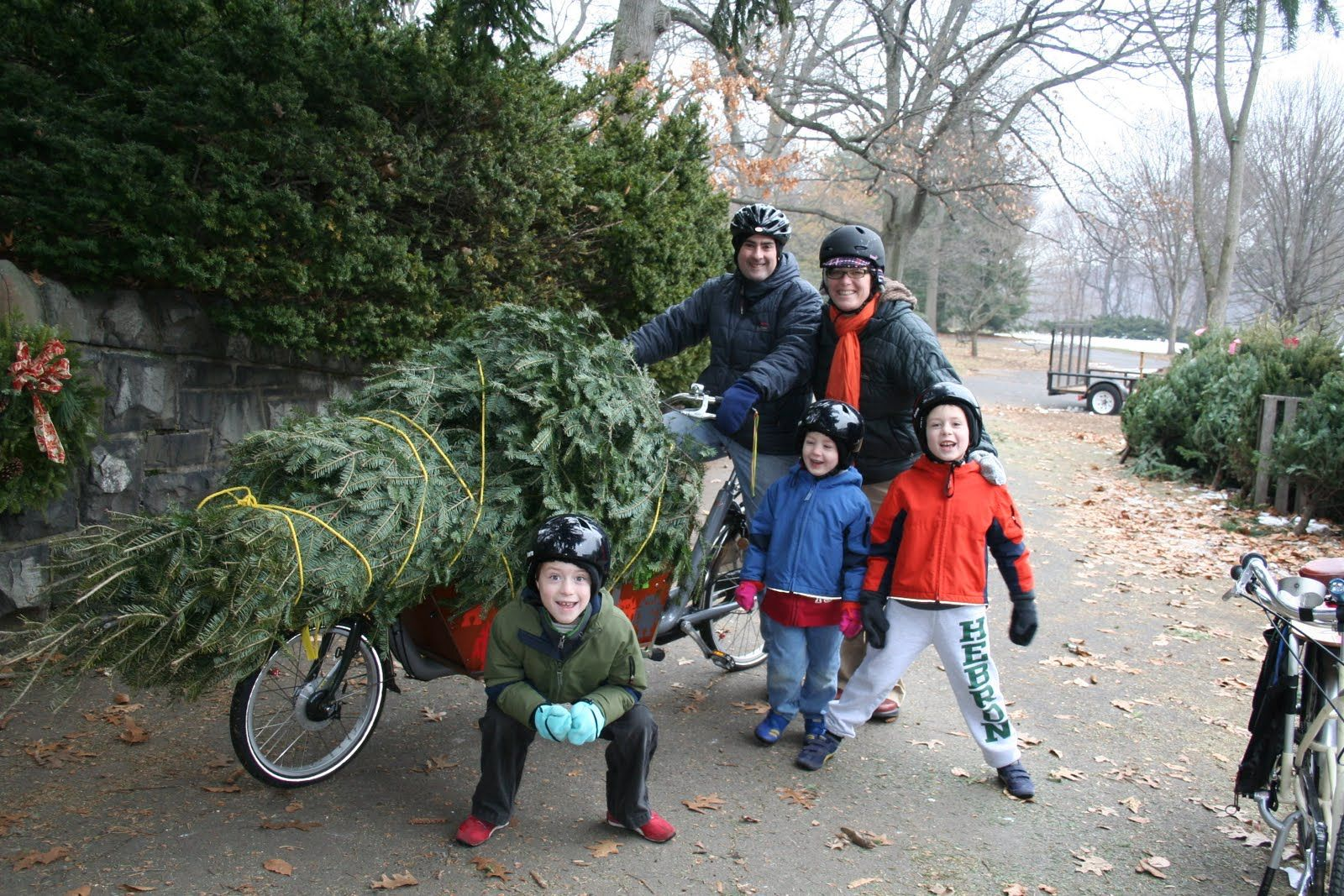 full hands blog about family who uses cargo bikes as transportation