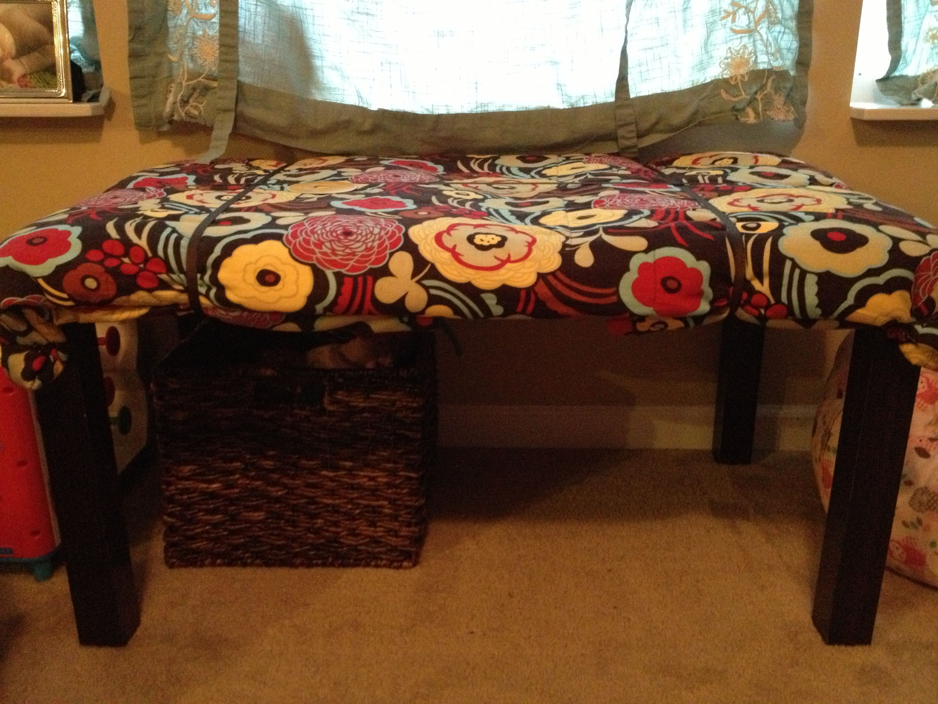 Pleasant Baby Proof A Coffee Table By Placing A King Size Quilt Over Gamerscity Chair Design For Home Gamerscityorg