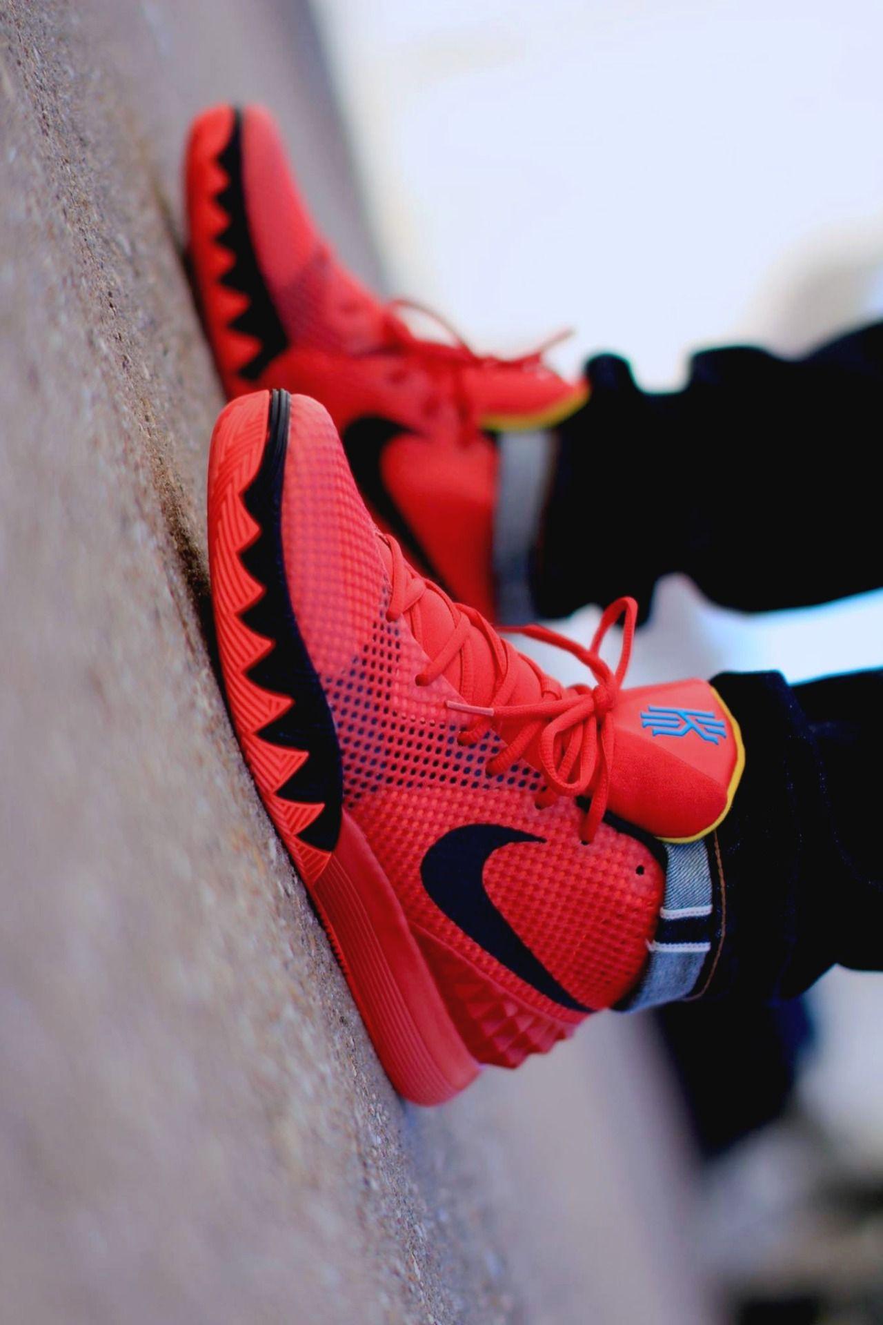 Women Nike Kyrie Sneaker 210