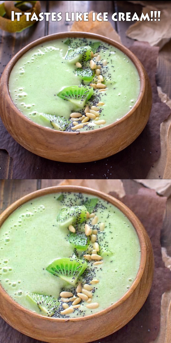 This Green Matcha Smoothie Bowl makes a perfect summer treat. Made with bananas, kiwis, matcha powder and almond milk – it tastes like ice cream and has only 180 calories!