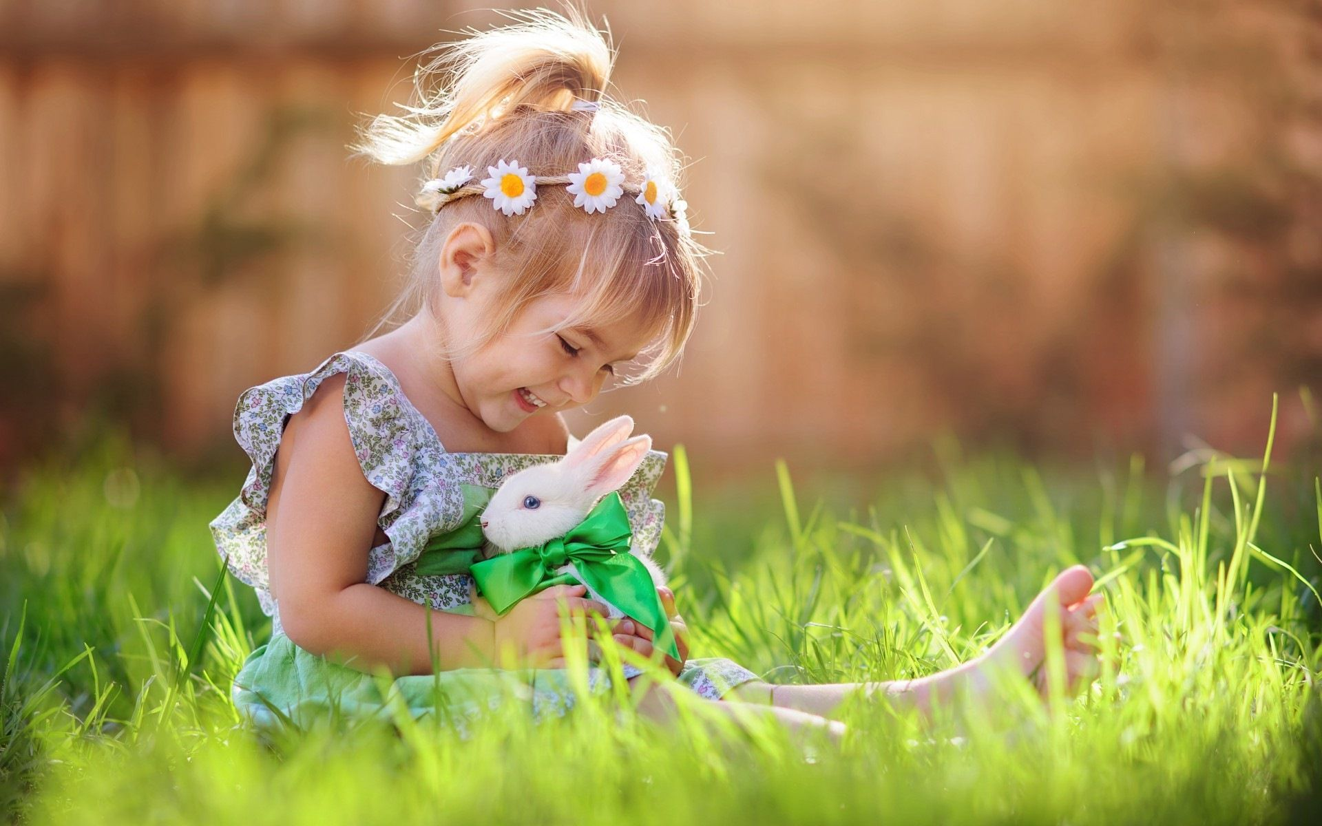 Child Girl Playing With White Rabbit Wallpaper Jpg Jpeg Image 1920 1200 Pixels Scaled 50 Rabbit Photos Rabbit Wallpaper Cute Babies