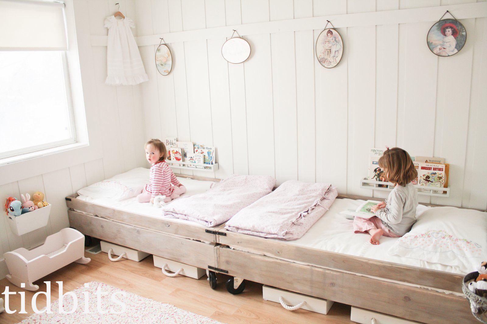 Tidbits Little Girl Shared Bedroom Small Space Makeover Room Decor Di Habitaciones Infantiles Dormitorios Compartidos Para Ninas Decorar Habitacion Ninos