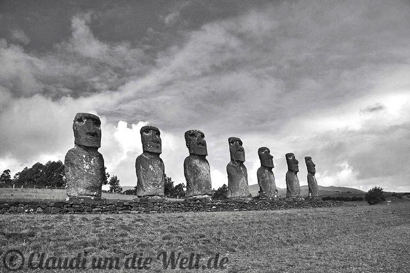 The Seven Sailors - Moai Statues on Rapanui Island