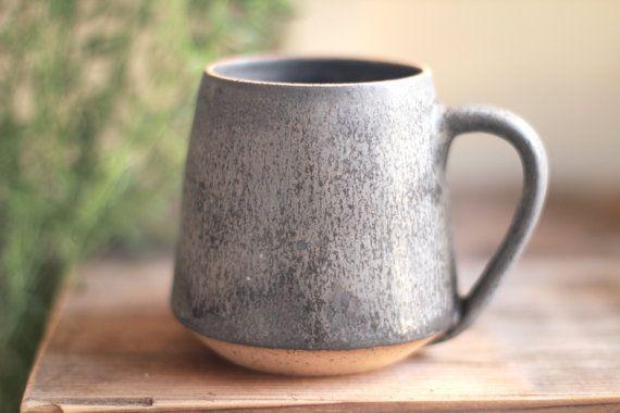 mug en céramique, mugs en céramique jetés sur roues, minimalistes, mugs en grès, mugs à café,... #ceramicmugs