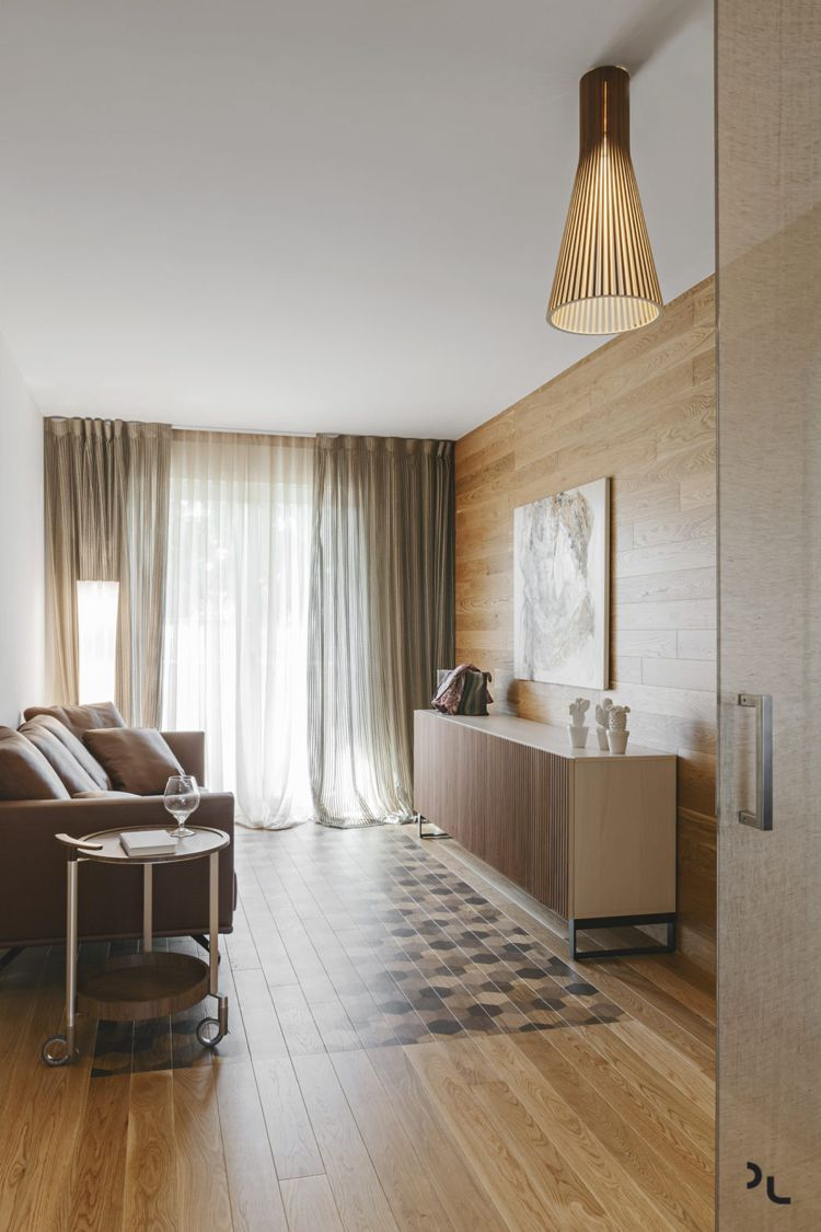 Holz Modern Wohnzimmer Klein Holzverkleidung Holzboden #bodenbeläge #fliesen  #modern #apartment