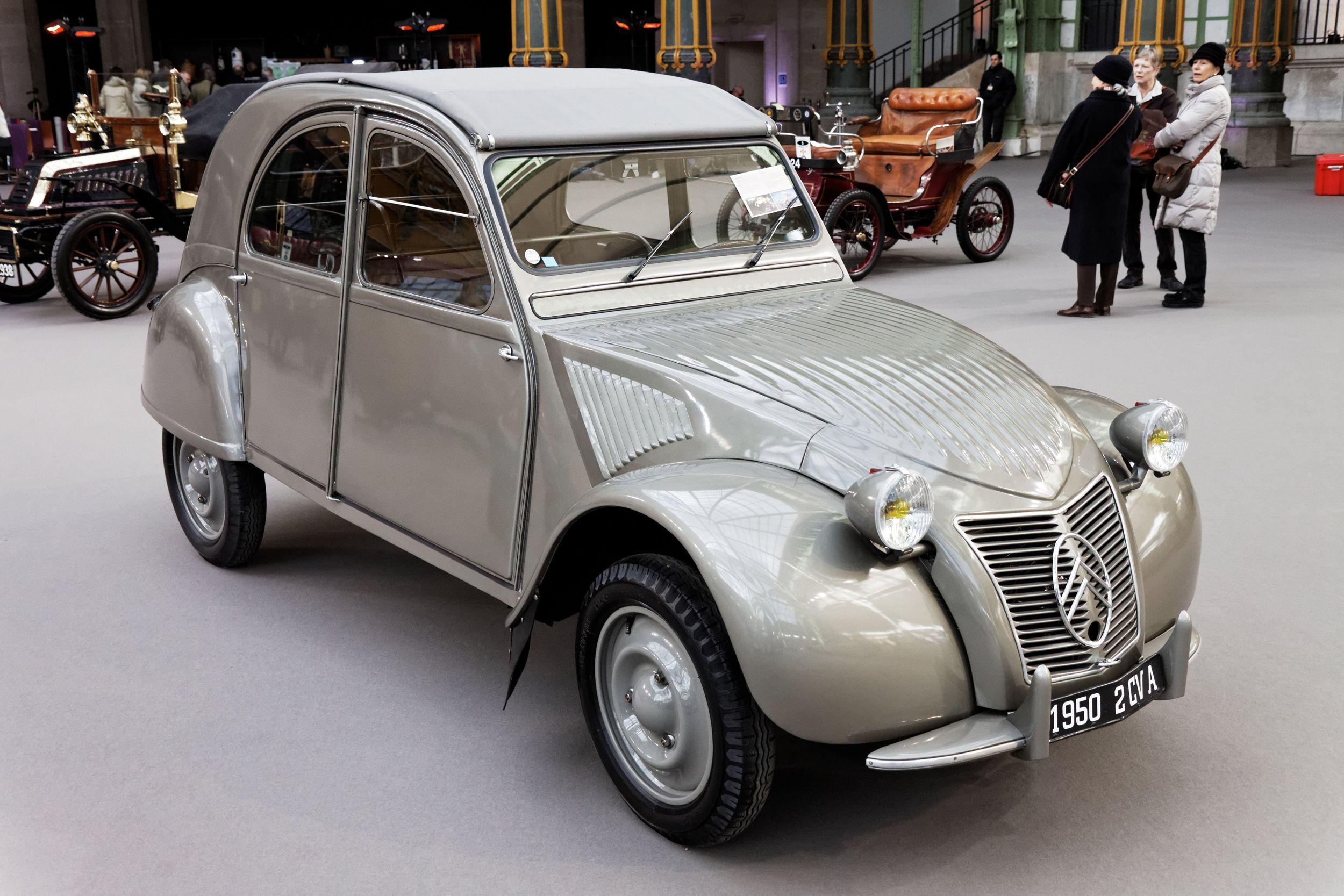 First Generation Ripple Bonnet Citroen 2cv Built From 1949 To 1960 Klassieke Auto S Auto Eend