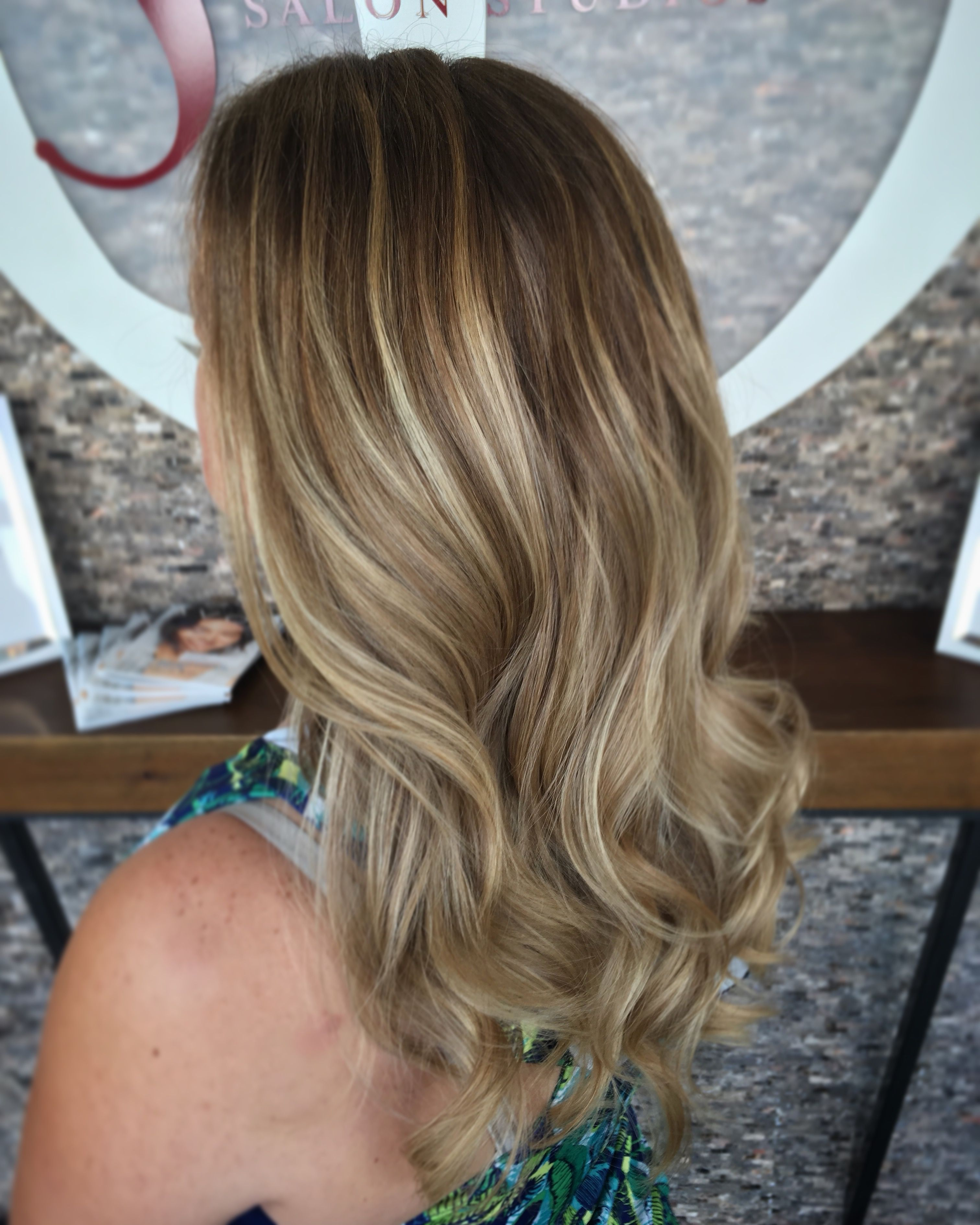 Natural Balayage Highlights Pretty Summer Hair Created A Soft Look By Weaving Lowlights Through Her Grown Out