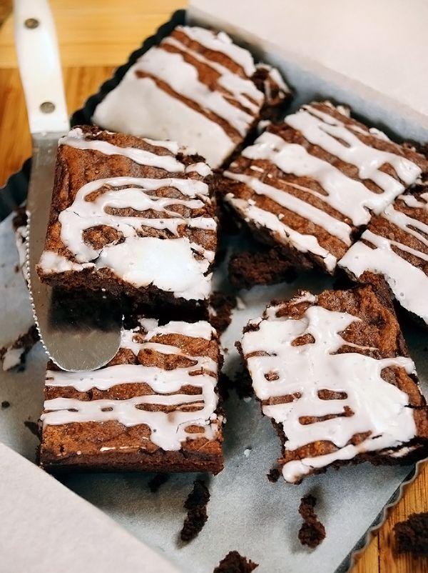 Brownie de batata doce com gotas de chocolate