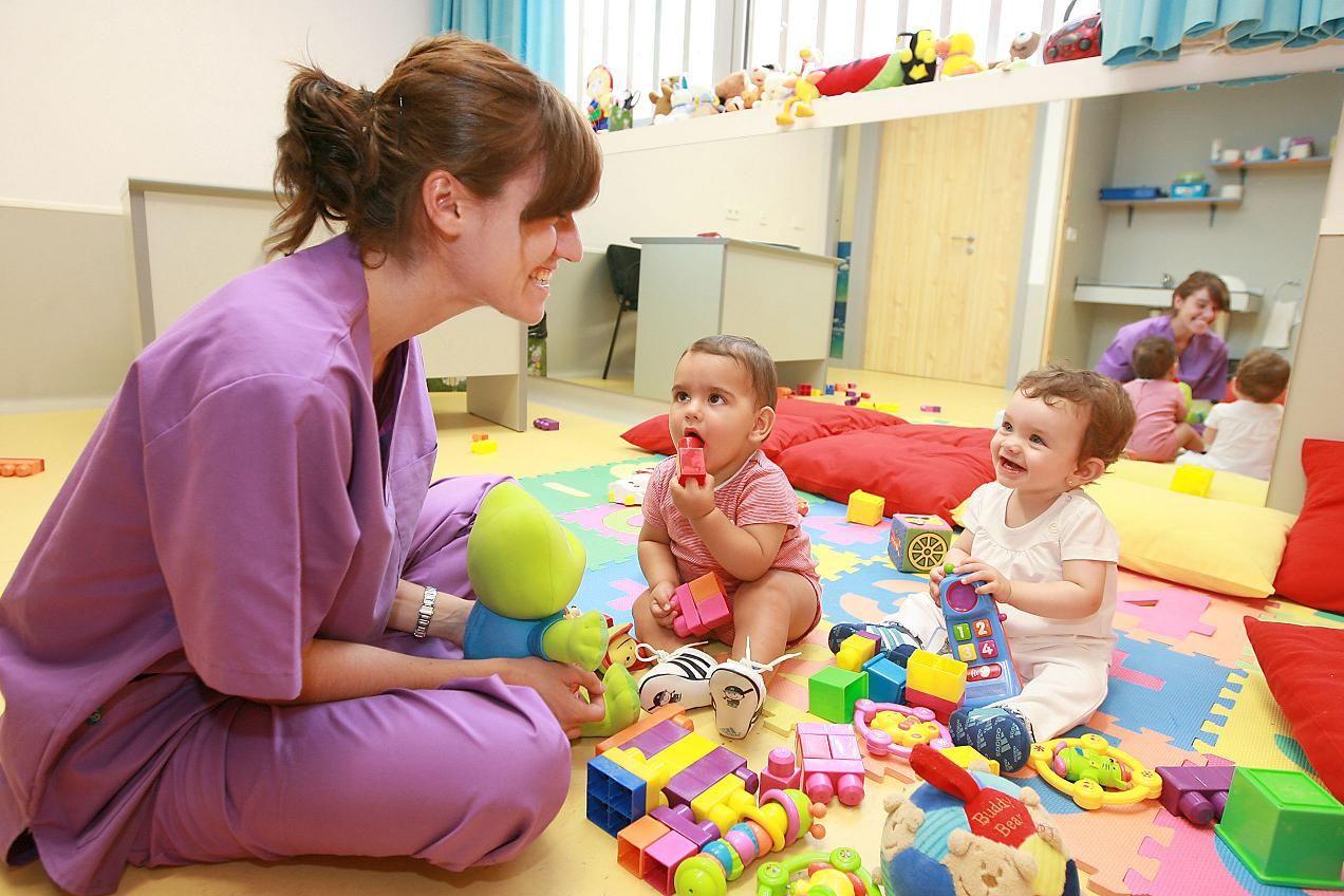 Si tú ya elegiste la guardería ideal para tu bebé,conoce las cosas y accesorios básicos que debes llevar con él desde el primer día;además de sus beneficios... http://infantes.linio.com.mx/bebes/que-debe-llevar-mi-hijo-a-la-guarderia/