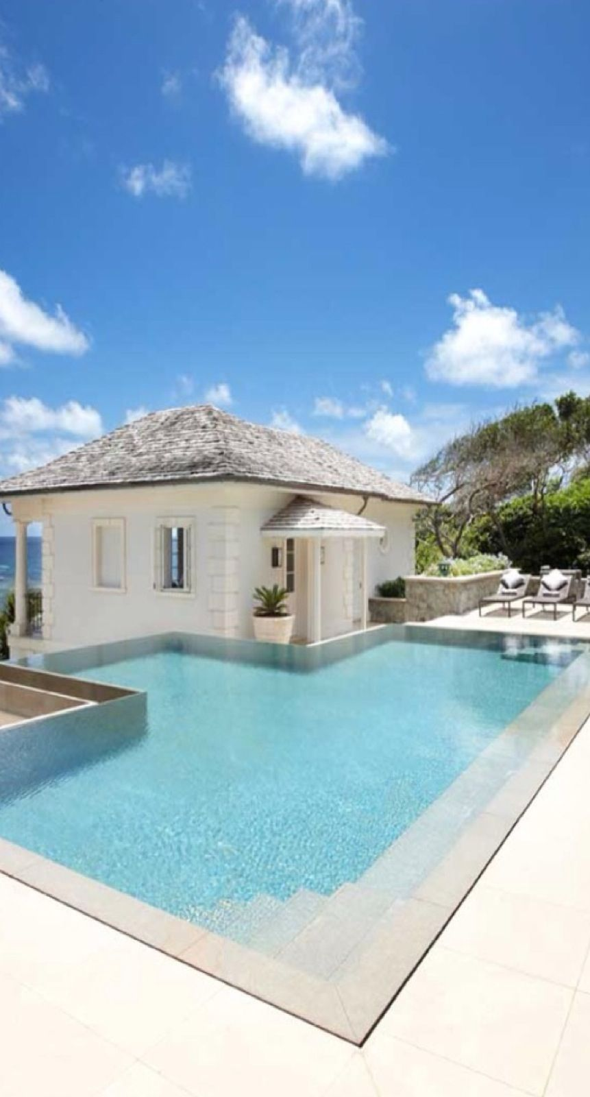 Luxury pool houses posh poolside piscine decoration - Luxury above ground pools ...