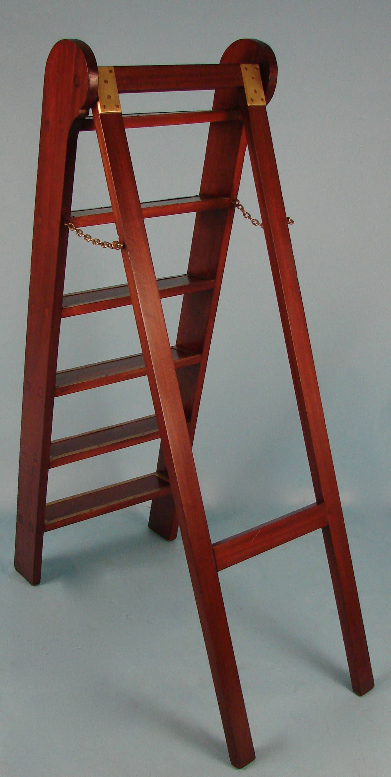 English Mahogany Brass Bound Library Ladder From A Unique Collection Of Antique And Modern Ladders At Https Www 1stdibs Com Furniture More Furnit Dom Derevo