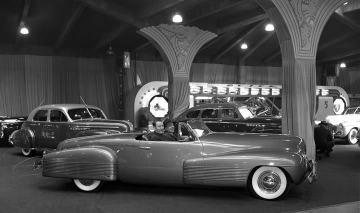 1938 Buick Y-Job concept car at the 1941 Chicago Auto Show ...