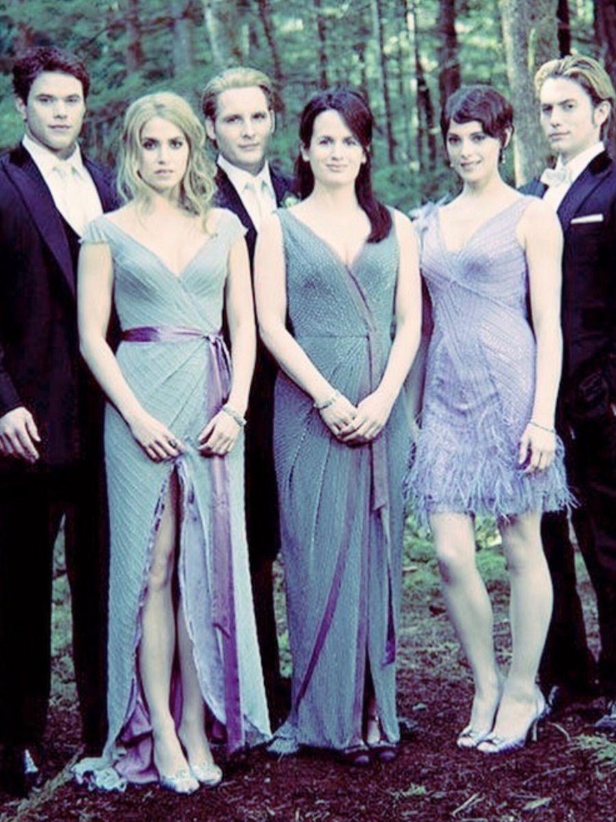 The Cullens Twilight Wedding Black Wedding Dresses Wedding Photos [ 1200 x 900 Pixel ]