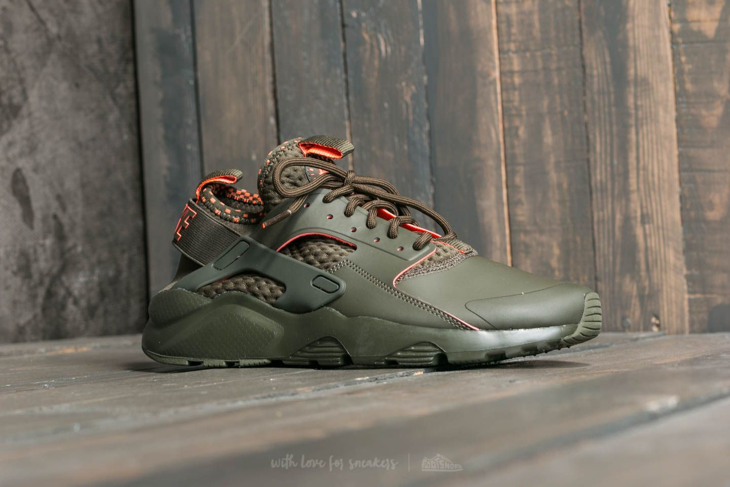 new style c4fd2 b3022 Nike Air Huarache Cargo Run Ultra Se Cargo Huarache Khaki Total Crimson At  A Great 7cc6bb