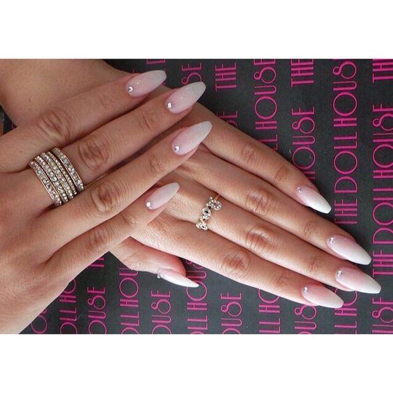 natural looking gel nails with strass n gel pinterest n gel sch ne n gel und ombre n gel. Black Bedroom Furniture Sets. Home Design Ideas