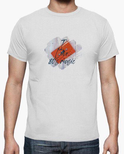 Camiseta con una cinta y el texto I Loeve 80´s Music
