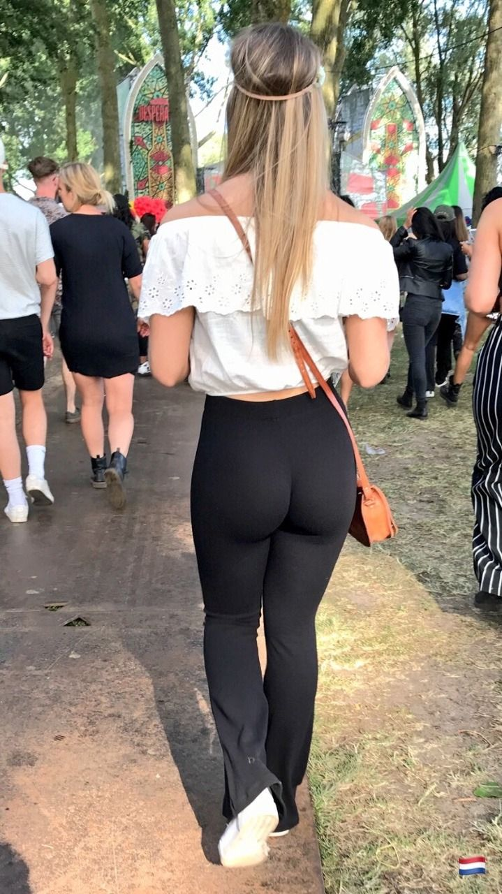 Teen leggings ass pics