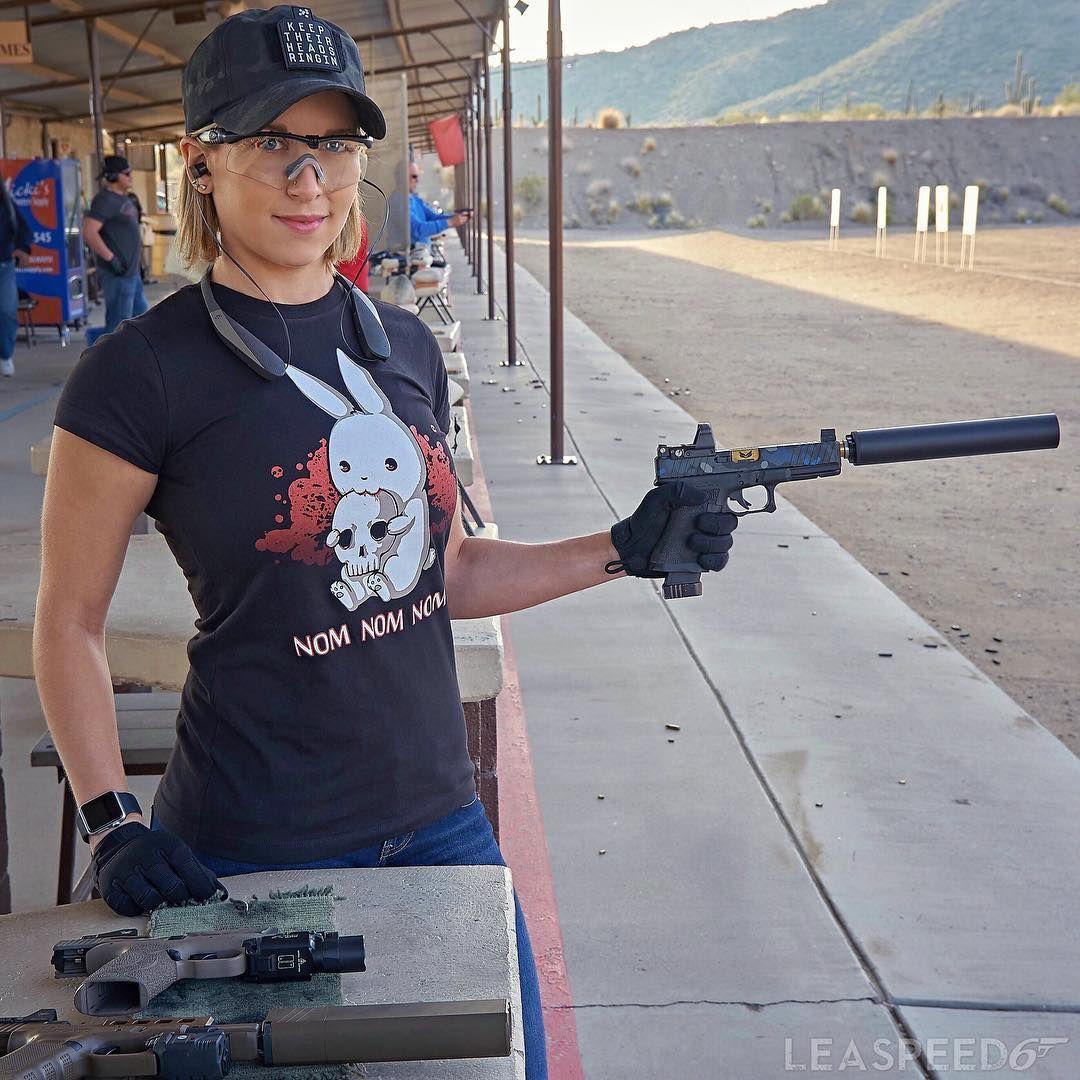 Girls and guns video — photo 11