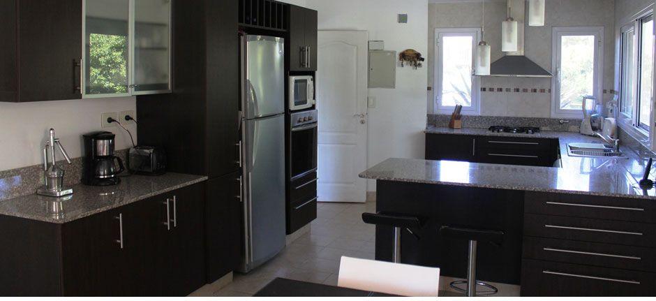 Muebles color wengue fotos buscar con google ideas for Cocinas wengue