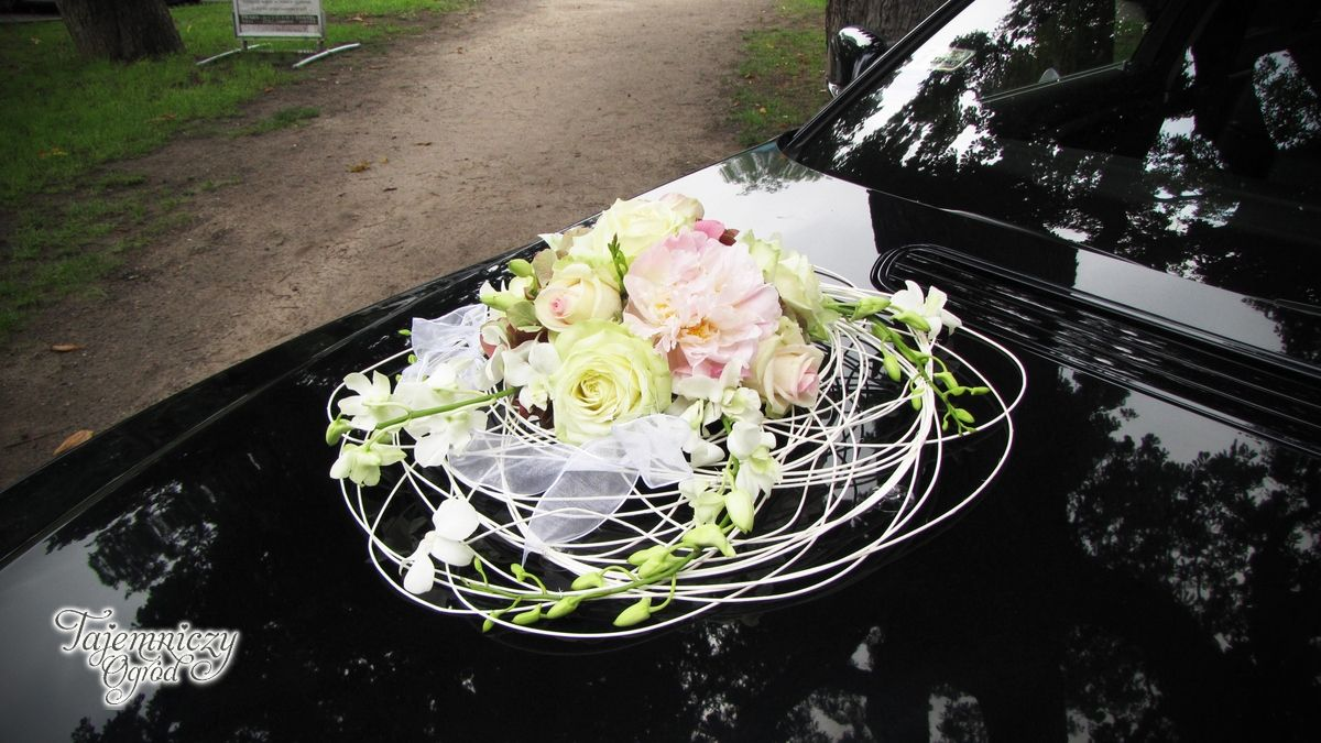 Wedding decorations car  car decoration wedding car decoration  Car decoration  Pinterest