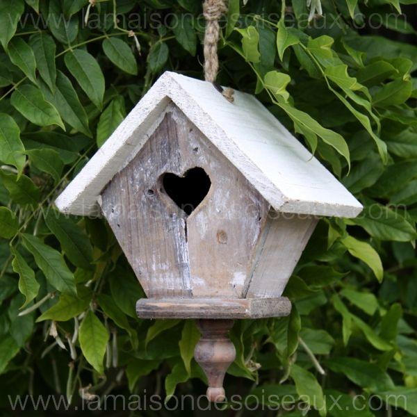 Nichoir maison d 39 oiseaux coeur bois peint blanc bird - Nichoir oiseau bois ...