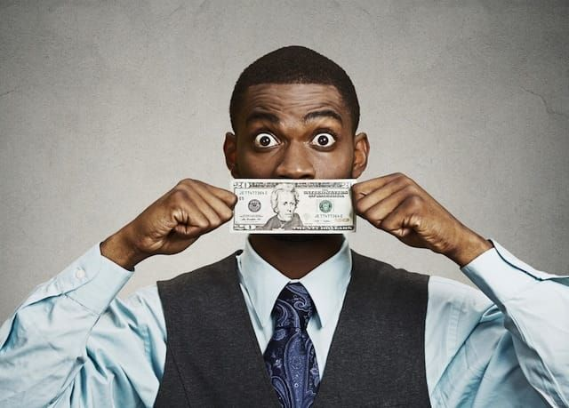 21 Bizarre (But Legal) Ways for Guys to Make Extra Money