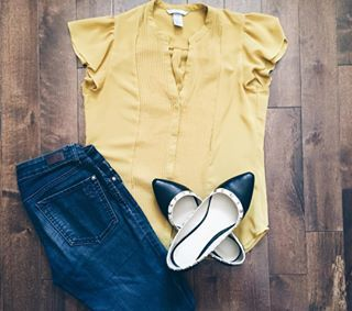 Outfit of the day  #ootd #jeans #flats #shopping #fashion #yyc #yycblogger
