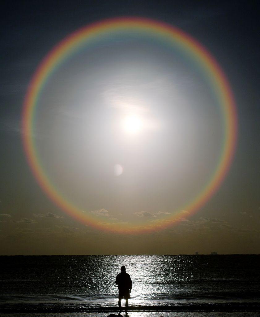 sunrise sunplosion rainbows cirrus cloud and ice crystals