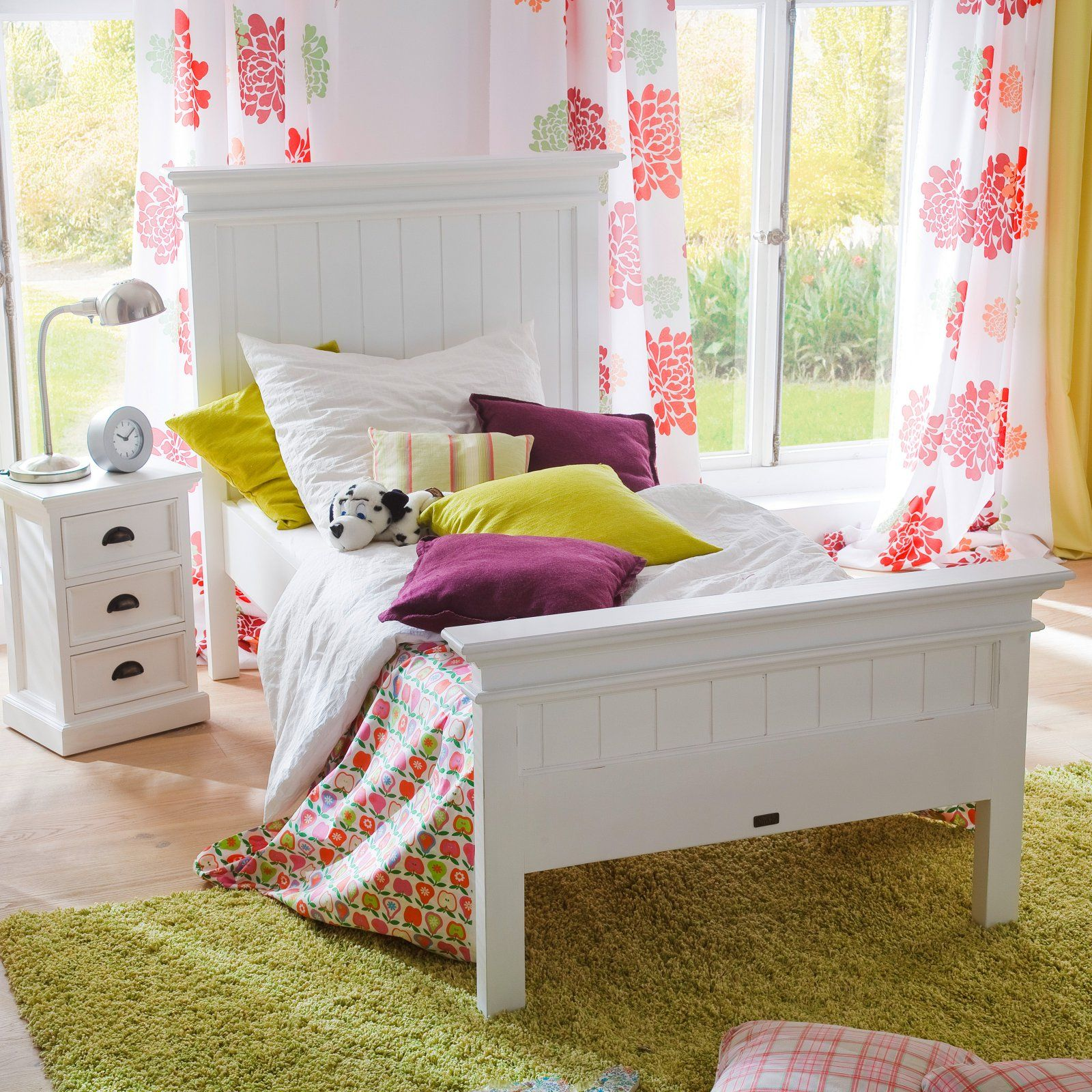 Nova Solo Halifax Panel Bed, Size Twin Panel bed