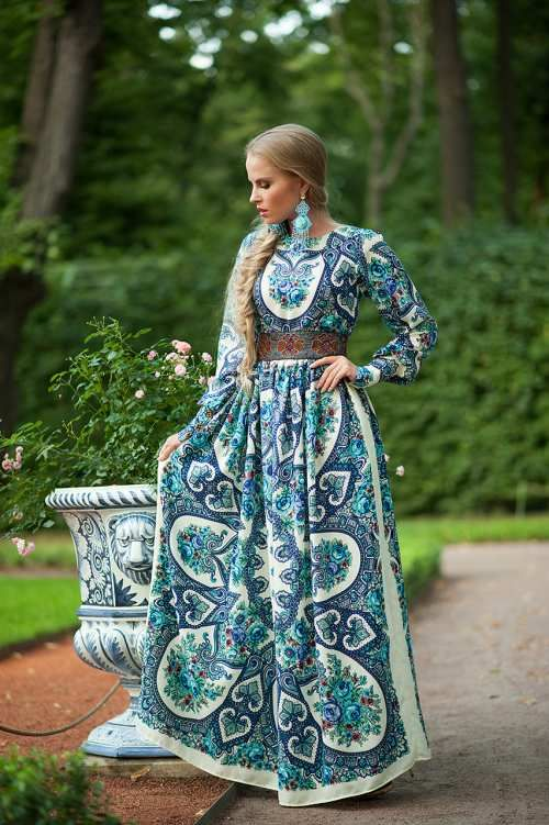 Платья и костюмы женские в петербурге