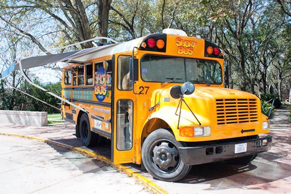 15 musttry food trucks in austin フードトラック 移動販売 フード
