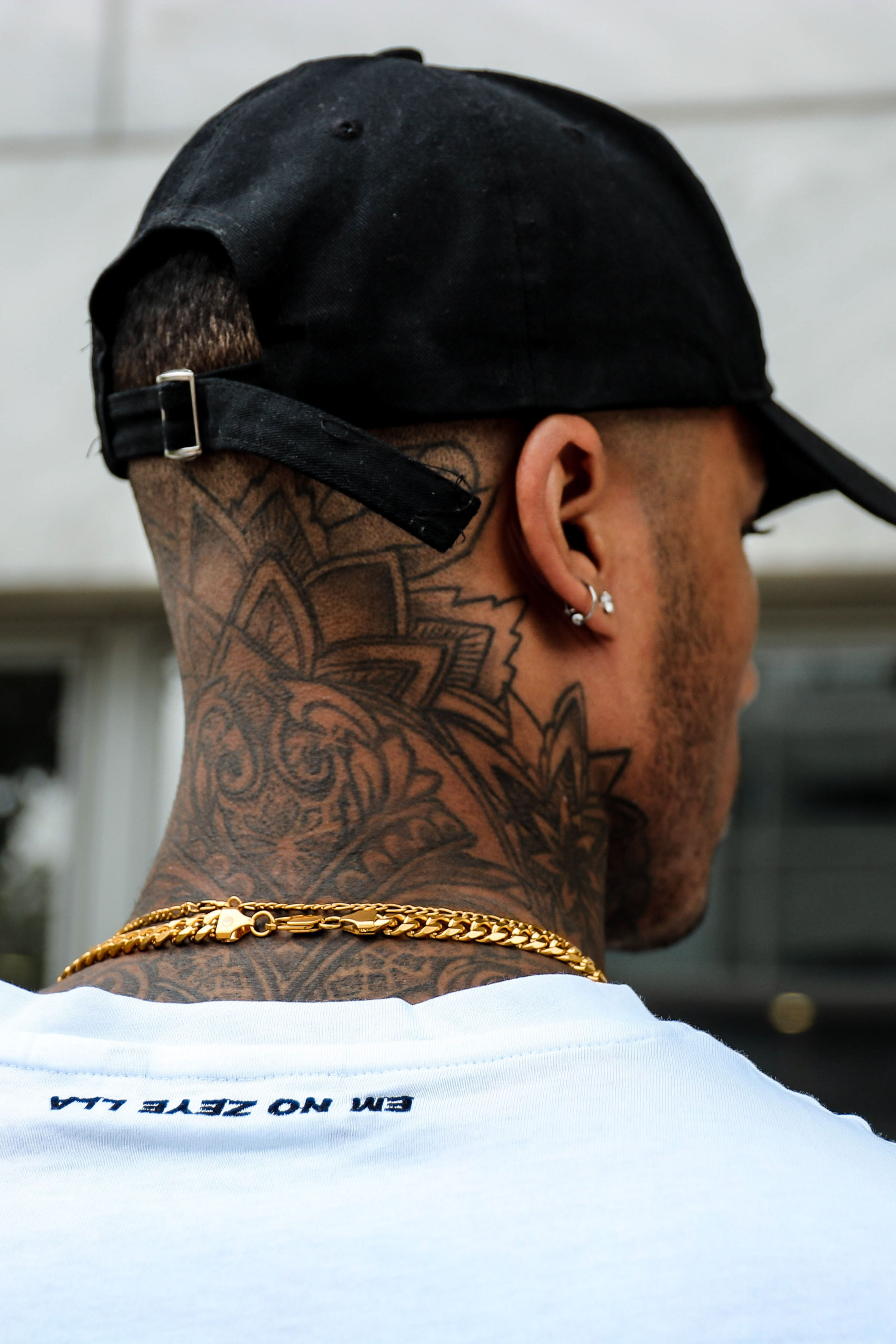 Pin by Chris on tattoos Back of neck tattoo men, Neck