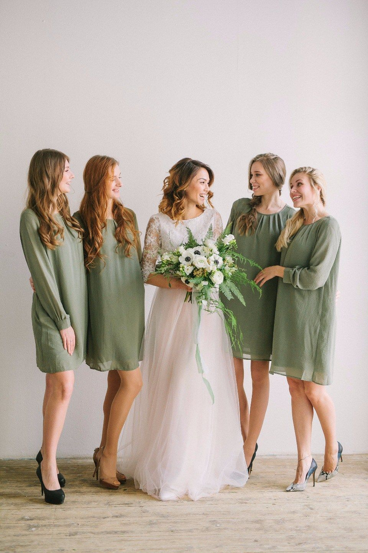 bride ang bridesmaids невеста с подружками