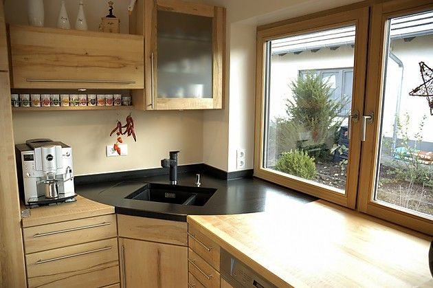 Massivholzküche mit Granitspüle (Pfister Massivholzküchen