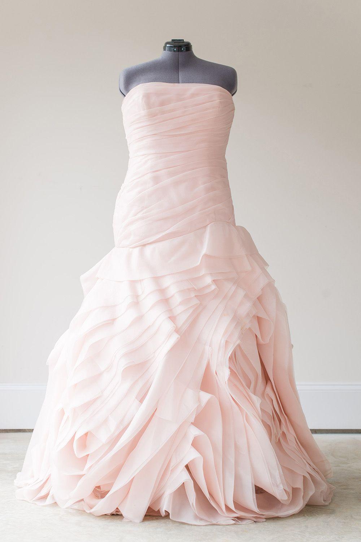 Vera wang designer wedding dresses  Vera Wang White  VW  Size   Weure loving this show