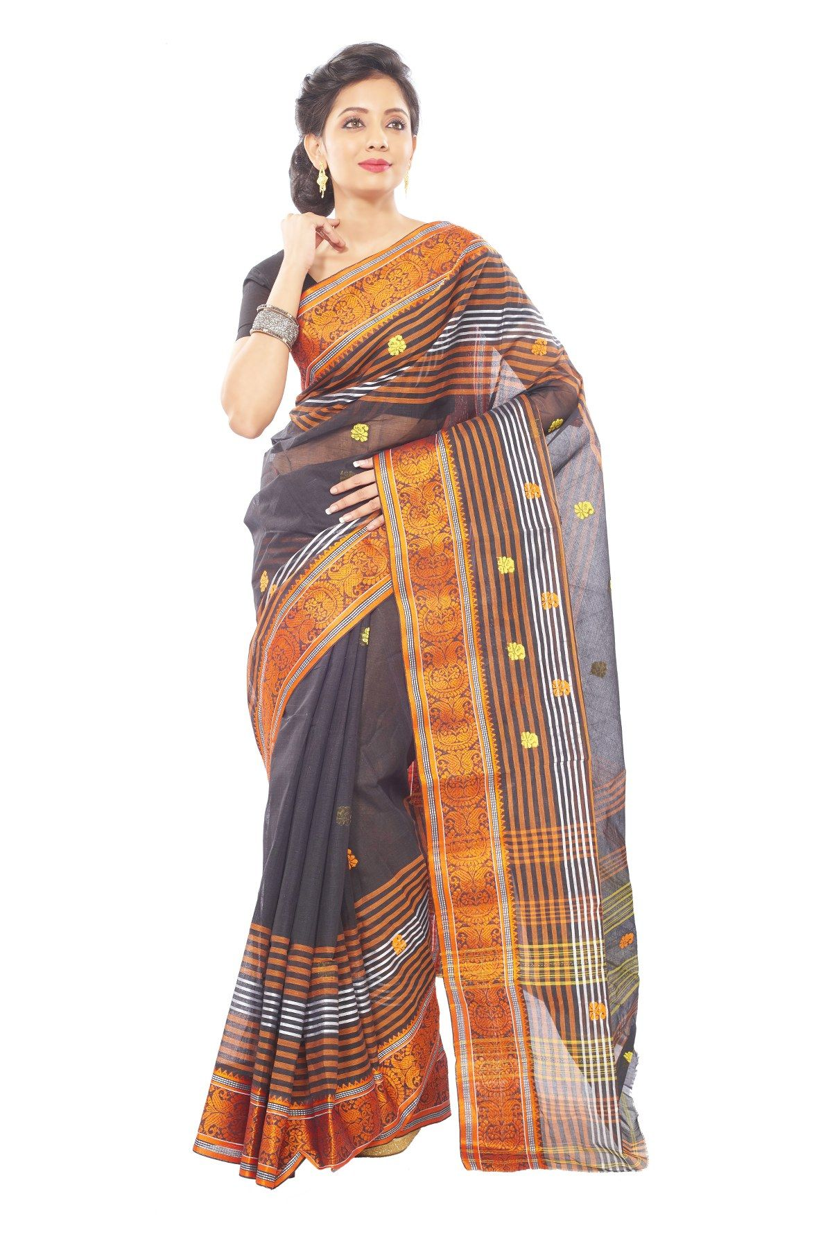 this designer collection is handpicked from kolkata west bengal